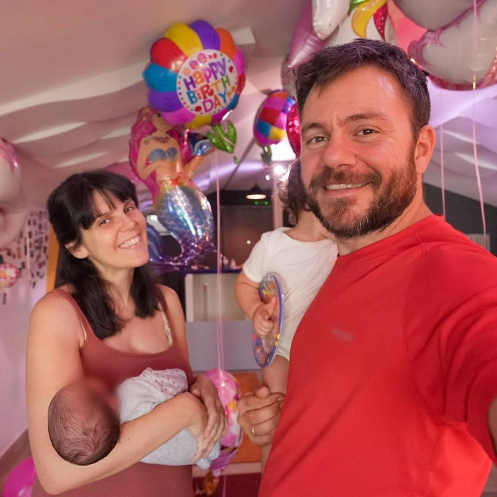 Ο Happy Traveller Ευτύχης Μπλέτσας διοργάνωσε πάρτι – έκπληξη με τα μπαλόνια της Balloon fire!!!